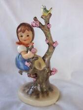 """HUMMEL GOEBEL """"APPLE TREE GIRL"""" FIGURINE 141 3/0  1982"""