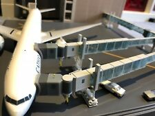 Airport Passenger Bridges JC Wings 1:200