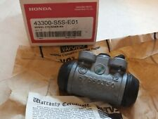 New Genuine Honda Civic 01-05 R/H Rear brake cylinder  43300-S5S-E01  A101
