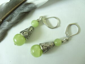 Jade Ohrringe Earrings 10 & 6 mm hellgrüne Jade mit Brisuren rhodiniert