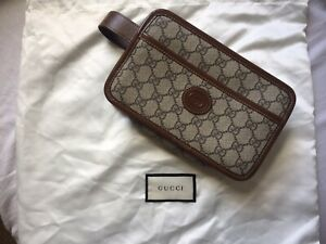 GUCCI / Leather Trimmed GG Supreme Wash Bag/ Brand New With Silk Bag RRP£440