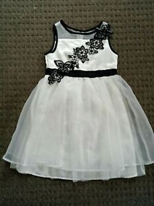 Origami Dress Black and white girl's dress size 5 Used
