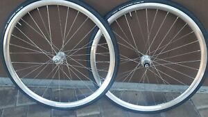 Suzue Hubs/Ukai Rim Clincher Wheelset,700C, Shimano 9-11, Zaffiro 25C Tires
