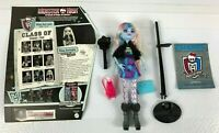 Monster High Doll Picture Day Abbey Bominable With Accessories EUC 2010 *RARE*