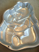 Disney Winnie the Pooh Hunny Baking Tin CAKE PAN WILTON 2105-3000 Used '95 Bonus