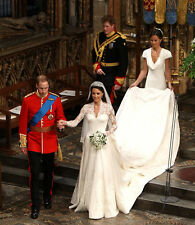 Pippa Middleton UNSIGNED photo - D1792 - Royal bridesmaid
