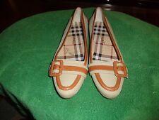 Burberry women shoes size 7 exellent flats