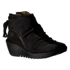 Calzado de mujer botines FLY London color principal negro