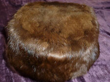 BEAUTIFUL GENTLY WORN VINTAGE BROWN FUR HAT IN EXCELLENT CONDITION !!!