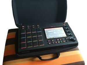 Akai MPC Live Standalone Sampler / Sequencer Incl. Magma Carry Funda