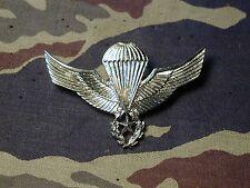 Chile Master parachute airborne wings parachutist silver metal badge B&T 596 pin