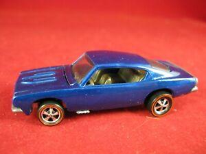 Hot Wheels redline 1968 Custom Barracuda 'Cuda spectraflame blue restored USA