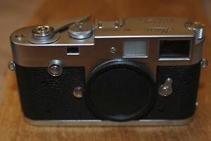 Leica M2 M 2  silber Gehäuse SNr.944317 in TOP ZUSTAND