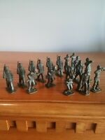 Vintage Toy Soldiers 19 Piece Lot
