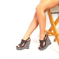 Carlos Santana Courage Sz 8 M Eggplant Zebra Print Peep Toe Wedges Women's Heels
