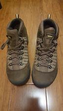 NIB Teva Green Grey Khaki Sports Hiking Travel Leather Upper Shoes EU40