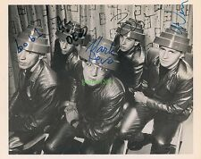 DEVO SIGNED 10X8 PHOTO, GREAT STUDIO IMAGE, LOOKS GREAT FRAMED