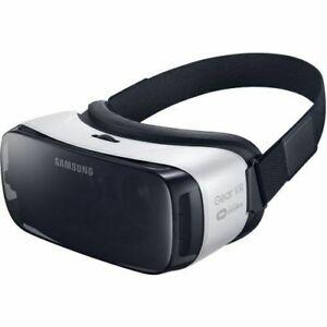 Samsung SM-R322NZWAXAR Gear VR Headset - Frost White