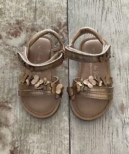 Bebé Niñas Sandalias De Tiras Oro al siguiente en tamaño 5