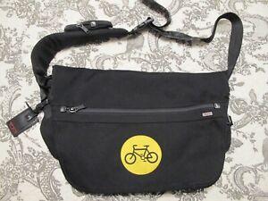 Tumi Men's Black Messenger Cross Body Shoulder Bag Ballistic Nylon
