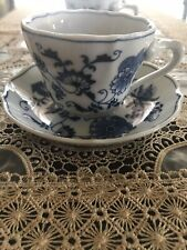 6 Sets of Blue Onion Danube China TEA CUPS & SAUCERS Granny Chic 1951-71 BANNER