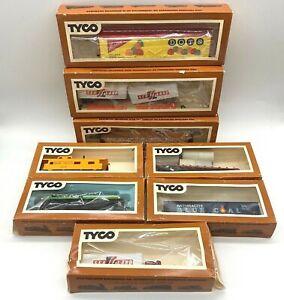 8 Vintage Lot HO Scale Tyco Train Car Lot Box Set GATX Tank Car Union Pacific