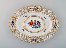 Antique Meissen saucer in hand-painted porcelain with floral and gold decoration