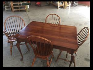LEXINGTON BOB TIMBERLAKE CHERRY KEEPING TABLE 833-871 MADE IN USA - TABLE ONLY!