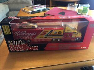 RACING CHAMPIONS TERRY LABONTE'S Racing Transporter Hauler 1:64 Scale Stock car