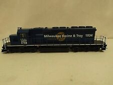 HO Athearn Milwaukee, Racine & Troy SD40-2 diesel engine in original box