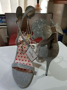 Disney Minnie Mouse Silver women's high heel sandal shoe size 7/40 Parties Prom