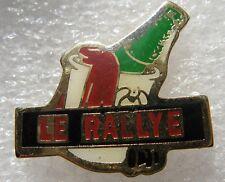 Pin's Le Rallye Avec seau et bouteille de Champagne  #498