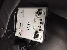 BEHRINGER MIC100 tube ULTRAGAIN haut de gamme préamplificateur a lampe