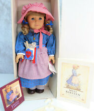 American Girl Pleasant Company KIRSTEN DOLL + Meet Outfit Necklace Wrist Tag BOX
