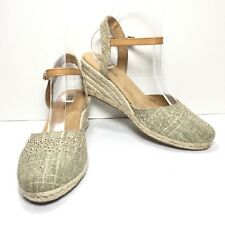 Women's White Mountain Beige Studded Ankle Strap Wedges Size 8 M