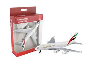 EMIRATES AIRBUS A-380 Diecast Toy Airplane DARON RT9904