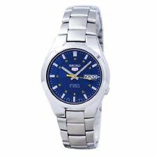 Seiko 5 37mm Caja y Correa de Acero Inoxidable en Plata, Reloj para Hombre (SNK615K1)