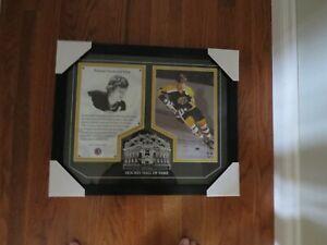 Hockey Hall of Fame-Bobby Orr-Framed photo