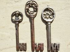 Three rare 17th century wrought iron keys with pierced bow & flared bits
