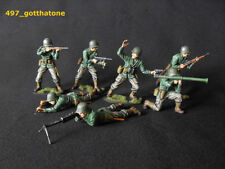 Painted Plastic American 6-10 Toy Soldiers
