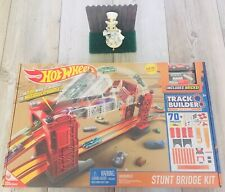 Hot Wheels Track Builder Stunt Bridge Kit Car Racing Set Motorized Bridge DWW97
