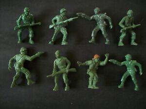 EIGHT PLASTIC 54MM WW2 FIGURES BY LIDO
