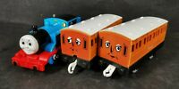 Thomas with Annie and Clarabel Motorised Train Trackmaster Thomas And Friends *2