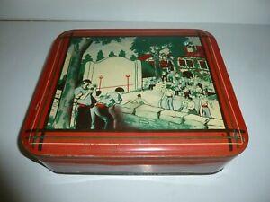 boite (à biscuits?) en tôle lithographiée Pays basque, pelote basque, collection