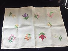"VINTAGE HAND EMBROIDERED LINEN TRAYCLOTH CENTRE 8 FLORAL SPRAYS 19 X 13"" FREE PP"