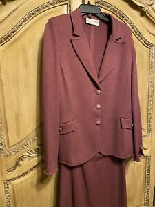 2 PCS ST JOHN COLLECTION SANTANA KNIT JACKET AND SKIRT 14  EXCELLENT CONDITION