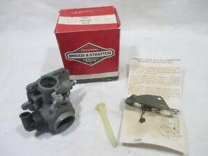 Briggs & Stratton 395957 Carburetor NOS