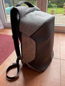 Modernist MAX II - Wasserfester Rucksack