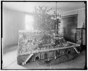 Photo:Mrs. A.M. Keen,Christmas,Holiday,Xmas,Harris & Ewing,United States 9684