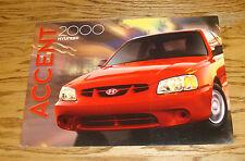 Original 2000 Hyundai Accent Deluxe Sales Brochure 00